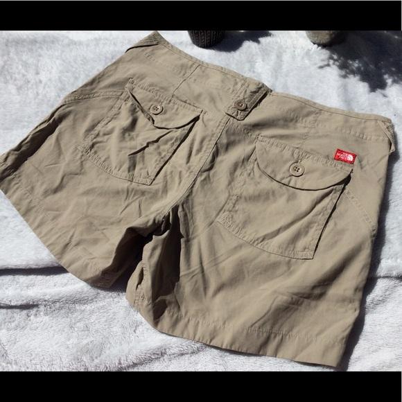 a2719d1778 The North Face Women's 100% Nylon Shorts. M_5ac6d65745b30ce8c195cdc3